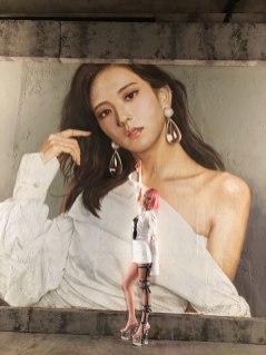 BLACKPINK-Jisoo-painting-DDU-DU-DDU-DU-music-video-3