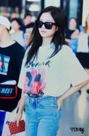 BLACKPINK-Jennie-Airport-Photo-26-July-2018-Kansai-Osaka-2