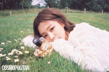 BLACKPINK-Jennie-Cosmopolitan-Korea-July-2018-issue-chanel-2