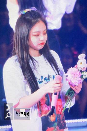 BLACKPINK-Jennie-Japan-Arena-Tour-Day-1-Osaka-10