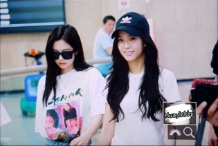 BLACKPINK Jennie Jisoo Airport Photo 26 July 2018 Gimpo 13