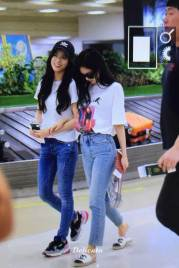 BLACKPINK-Jennie-Jisoo-Airport-Photo-26-July-2018-Gimpo-8