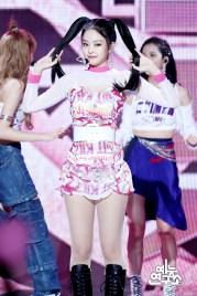 BLACKPINK Jennie MBC Music Core 7 July 2018 PD Note 2