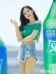BLACKPINK-Jennie-Sprite-Waterbomb-Festival-Seoul-21
