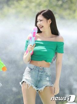 BLACKPINK Jennie Sprite Waterbomb Festival Seoul 7
