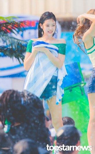 BLACKPINK-Jennie-Sprite-Waterbomb-Festival-Seoul-87