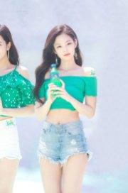 BLACKPINK-Jennie-Sprite-Waterbomb-Festival-Seoul-90