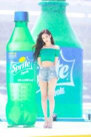 BLACKPINK-Jennie-Sprite-Waterbomb-Festival-Seoul-91
