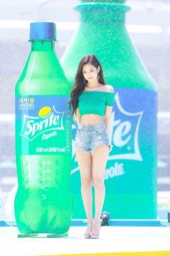 BLACKPINK-Jennie-Sprite-Waterbomb-Festival-Seoul-94