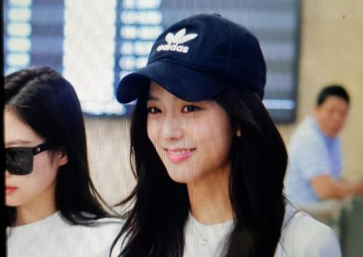 BLACKPINK Jisoo Airport Photo 26 July 2018 Gimpo 9