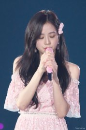 BLACKPINK-Jisoo-Japan-Arena-Tour-Day-1-Osaka-15