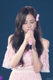 BLACKPINK-Jisoo-Japan-Arena-Tour-Day-1-Osaka-15