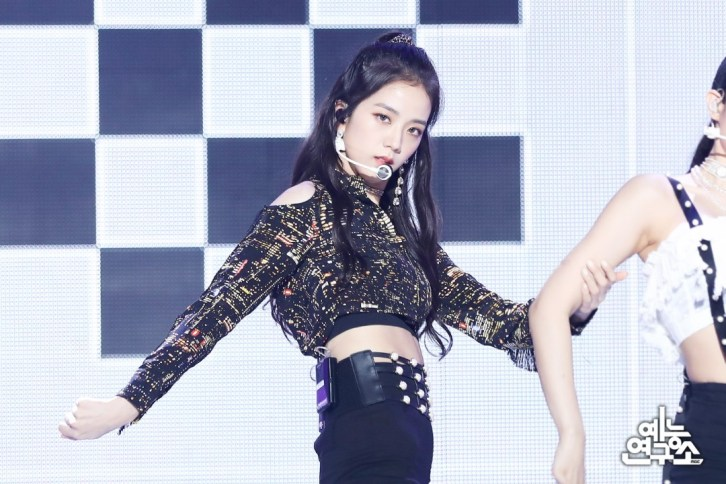 BLACKPINK Jisoo MBC Music Core 14 July 2018 PD Note Photo 3