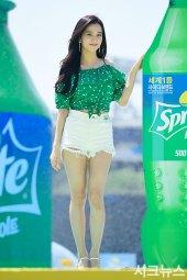BLACKPINK-Jisoo-Sprite-Waterbomb-Festival-Seoul-24