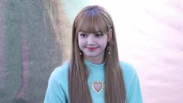 BLACKPINK Lisa Fansign event Yeouido July 8, 2018 IFC Atrium 2