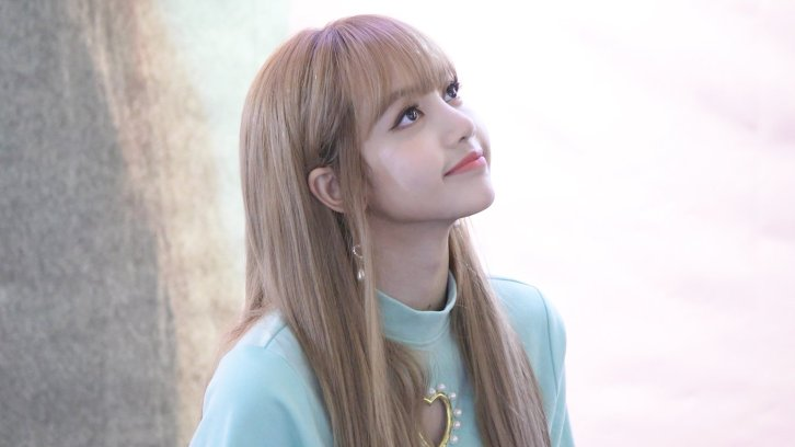 BLACKPINK Lisa Fansign event Yeouido July 8, 2018 IFC Atrium