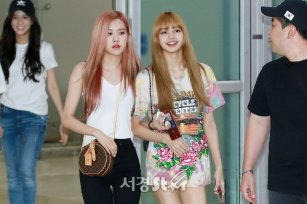BLACKPINK Lisa Rose Airport Photo 26 July 2018 Gimpo 3