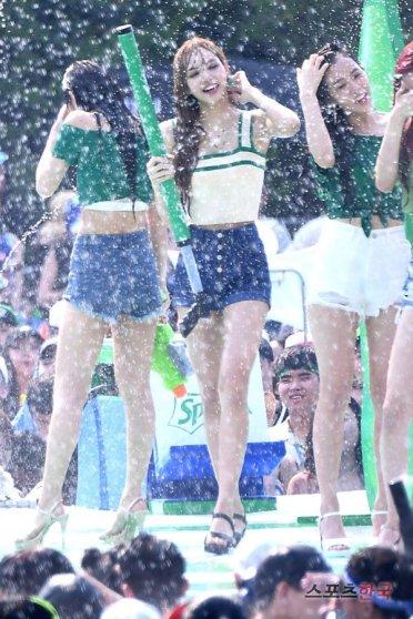 BLACKPINK Lisa Sprite Waterbomb Festival Seoul 64