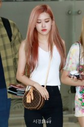 BLACKPINK Rose Airport Photo 26 July 2018 Gimpo 31