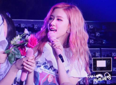 BLACKPINK-Rose-Japan-Arena-Tour-2018-Day-1-Osaka-7