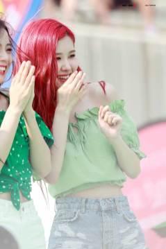 BLACKPINK-Rose-Sprite-Waterbomb-Festival-Seoul-33