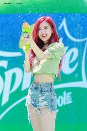BLACKPINK-Rose-Sprite-Waterbomb-Festival-Seoul-37