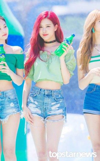 BLACKPINK-Rose-Sprite-Waterbomb-Festival-Seoul-9