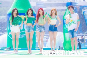BLACKPINK-SPRITE-ISLAND-WATERBOMB-FESTIVAL-SEOUL-21-July-2018-photo-17