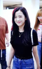 BLACKPINK-UPDATE-Jisoo-Airport-Photo-20-July-2018-Back-From-Japan-4