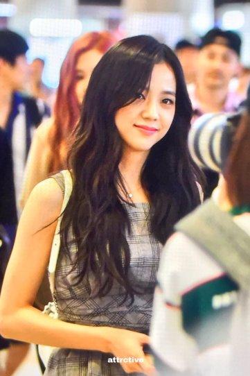 BLACKPINK UPDATE Jisoo Airport Photo Fashion 22 July 2018 japan arena tour 8