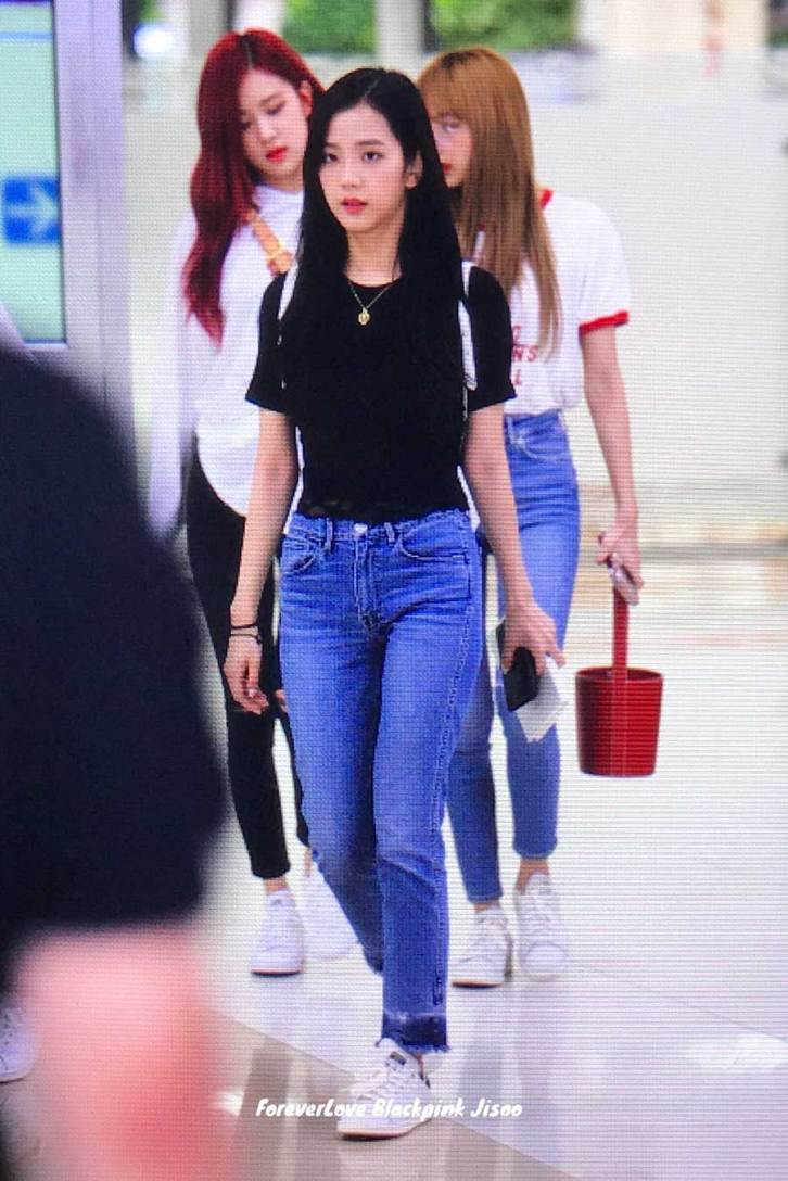 BLACKPINK-UPDATE-Jisoo-ROse-Lisa-Airport-Photo-20-July-2018-Back-From-Japan