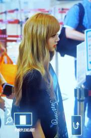 BLACKPINK-UPDATE-Lisa-Airport-Photo-Fashion-22-July-2018-japan-arena-tour-13