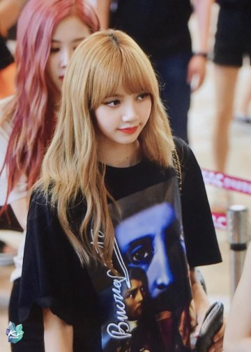 BLACKPINK UPDATE Lisa Airport Photo Fashion 22 July 2018 japan arena tour 6