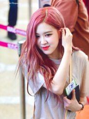 BLACKPINK UPDATE Rose Airport Photo Fashion 22 July 2018 japan arena tour 7
