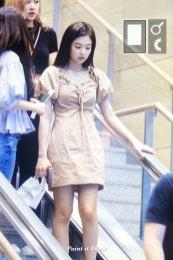BLACKPINK-Jennie-Airport-Photo-18-August-2018-Incheon-13
