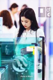 BLACKPINK-Jennie-Airport-Photo-23-August-2018-Gimpo-36