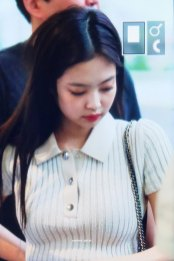 BLACKPINK-Jennie-Airport-Photo-23-August-2018-Gimpo-9