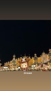 BLACKPINK Jennie Instagram Story 30 August 2018 Disney Tokyo 3