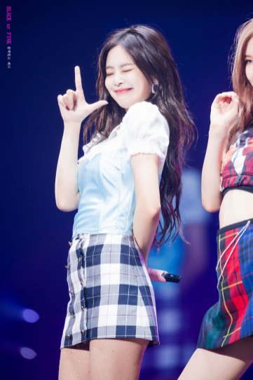 BLACKPINK-Jennie--Japan-Arena-Tour-24-August-2018-Chiba-3