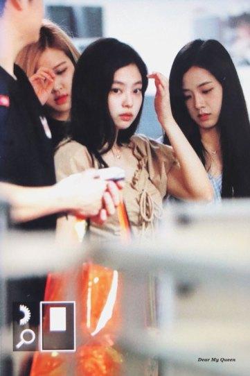 BLACKPINK-Jennie-Jisoo-Jensoo-Airport-Photo-18-August-2018-Incheon-12
