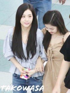 BLACKPINK-Jennie-Jisoo-Jensoo-Airport-Photo-18-August-2018-Incheon-19