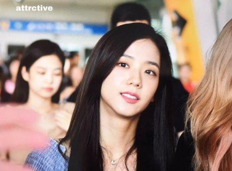 BLACKPINK Jisoo Airport Photo 18 August 2018 Incheon 15