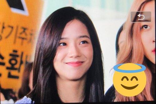 BLACKPINK-Jisoo-Airport-Photo-18-August-2018-Incheon