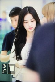 BLACKPINK-Jisoo-Airport-Photo-23-August-2018-Gimpo-6