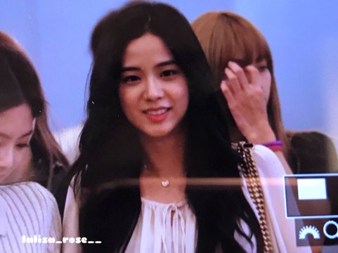BLACKPINK-Jisoo--Airport-Photo-23-August-2018-Haneda