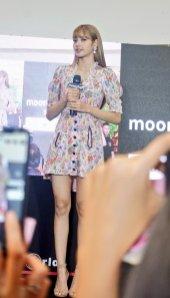 BLACKPINK LISA moonshot central world fansign event bangkok thailand 130