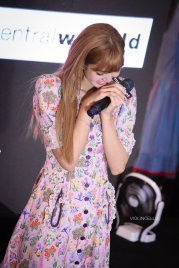 BLACKPINK LISA moonshot central world fansign event bangkok thailand 141