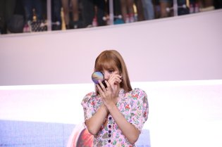 BLACKPINK LISA moonshot central world fansign event bangkok thailand 70
