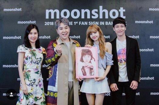 BLACKPINK LISA moonshot eveandboy fansign event thailand