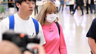 BLACKPINK-Lisa-Airport-Photo-18-August-2018-Incheon-27